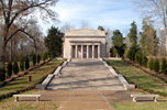 Kentucky: Abraham Lincoln's Birthplace Memorial